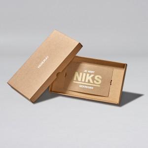 02-medium-NIKS-doosje-kaart